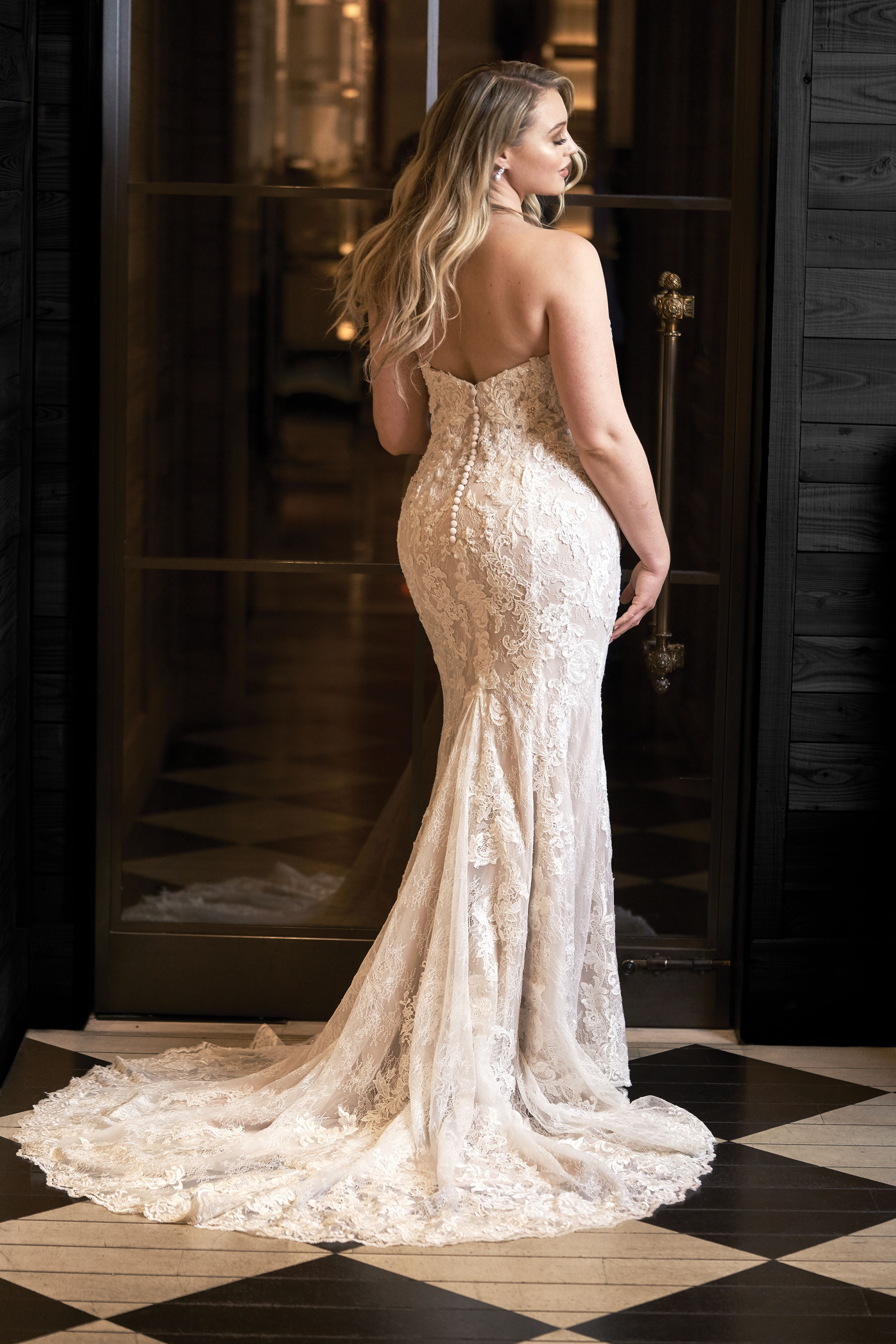 Iskra Lawrence in Justin Alexander Style 8920