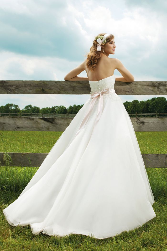Sincerity Bridal Style 3655