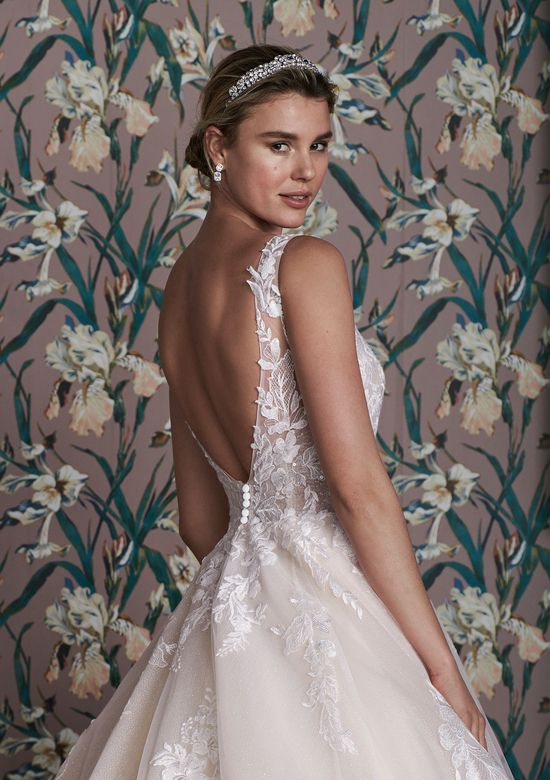 Justin Alexander Signature Style 99161 ELLINGTON Plunging V-Neck Ball Gown Embellished with Glitter Tulle