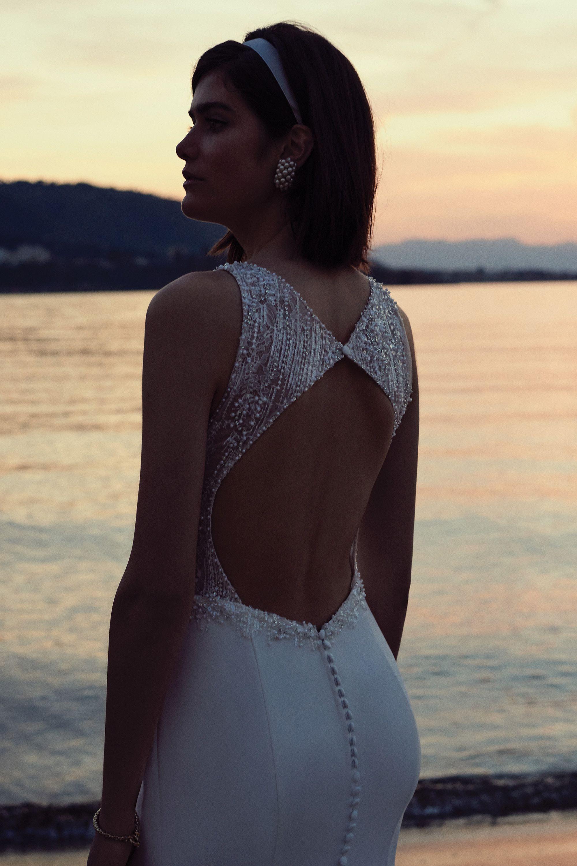 - Stil 88090: Perlenbesetztes figurumschmeichelndes Kleid aus Crepe