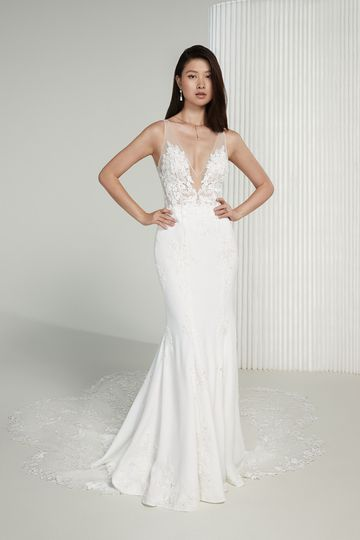 Justin Alexander Signature Style 99215 Rosa Crepe and Lace Fit and Flare Wedding Gown with Scalloped Train