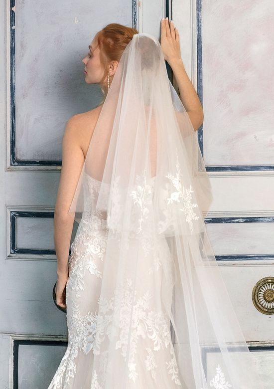 Justin Alexander Signature Style 99007V Two-Tiered Tulle and Lace Veil