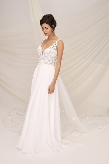 Justin Alexander Signature Style 99117 CALDERA Chiffon A-Line Gown with 3D Floral Appliques and Detachable Train
