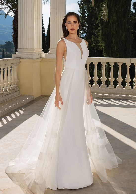Justin Alexander Style 88094DT Detachable tulle train with horsehair hem.