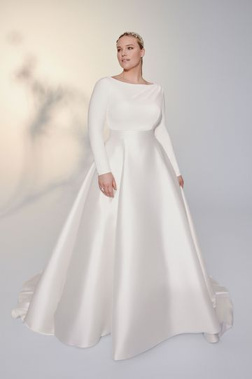 Justin Alexander Signature Style 99040PS Clean Plus Size A-Line Gown with Long Sleeves