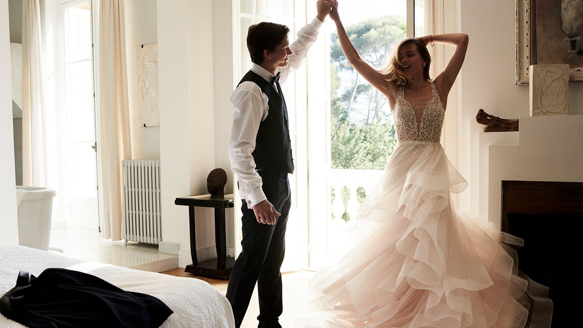 - Model 88059: Romantic Ruffle Skirt Ball Gown