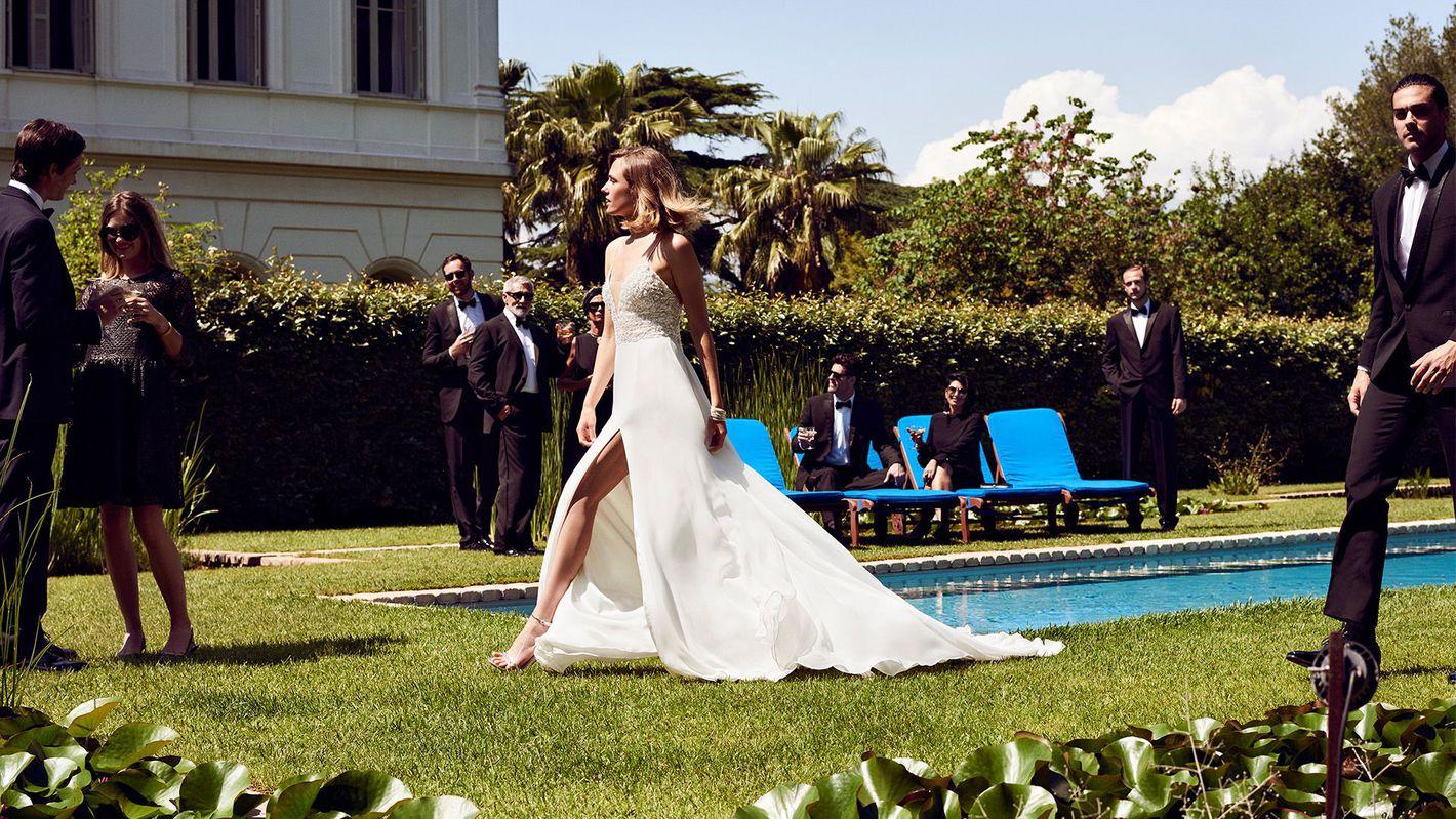 - Stile 88035: Abito da sposa a trapezio con corsetto-bikini decorato con perline