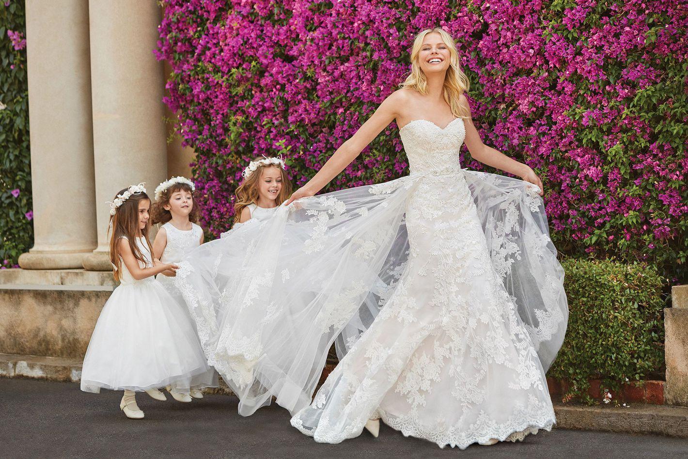 Sincerity Bridal - Estilo 44064: Vestido entallado con vuelo todo de encaje con escote corazón