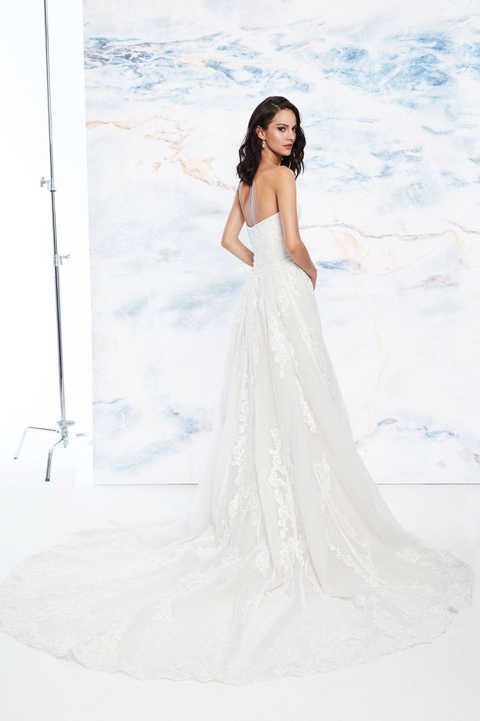 Justin Alexander Signature Style 99077 Sweetheart Gowns Style  Strapless Fit and Flare with Sweep Train