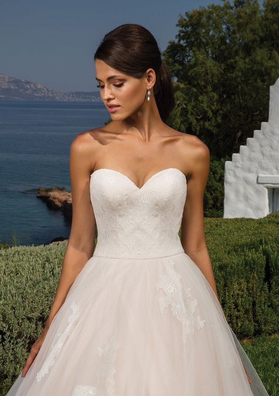 Justin Alexander Style 8951 Sweetheart Bodice with Tulle Ruffled Ball Gown Skirt