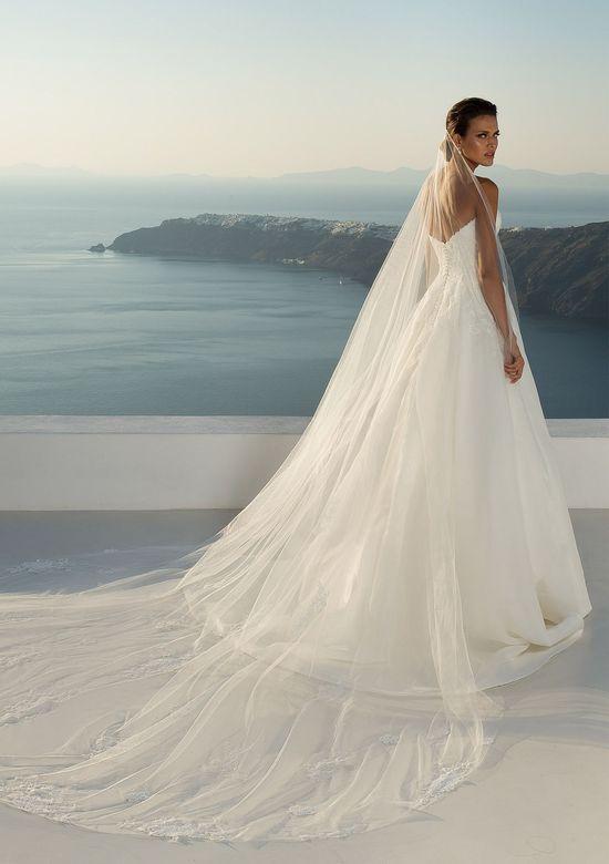 Justin Alexander Style 88012V Light Romantic Veil