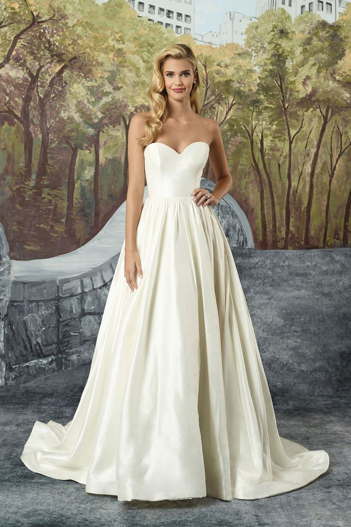 Justin Alexander Style 8825 Silk Dupion Sweetheart Bodice Ball Gown