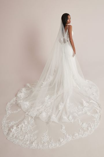 Justin Alexander Style 88220V Calista Veil Scalloped Lace Cathedral Length Veil