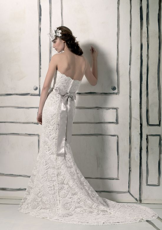 Justin Alexander Style 8558 Lace mermaid dress complemented with a sweetheart neckline