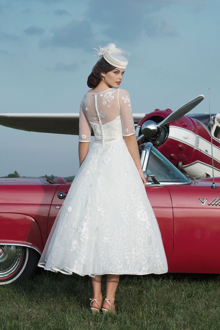 Justin Alexander Style 8729 Tulle ball gown with a Sabrina neckline