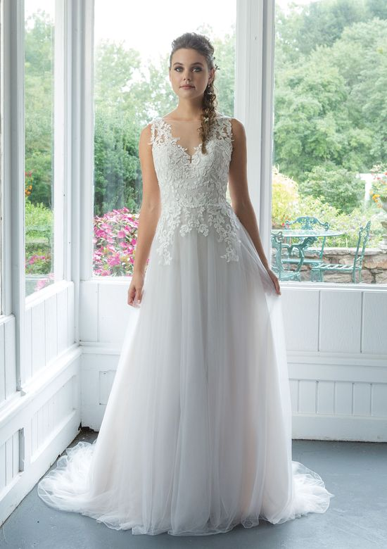 Sweetheart style 11093 English Net A-line Gown with Venice Lace Appliques