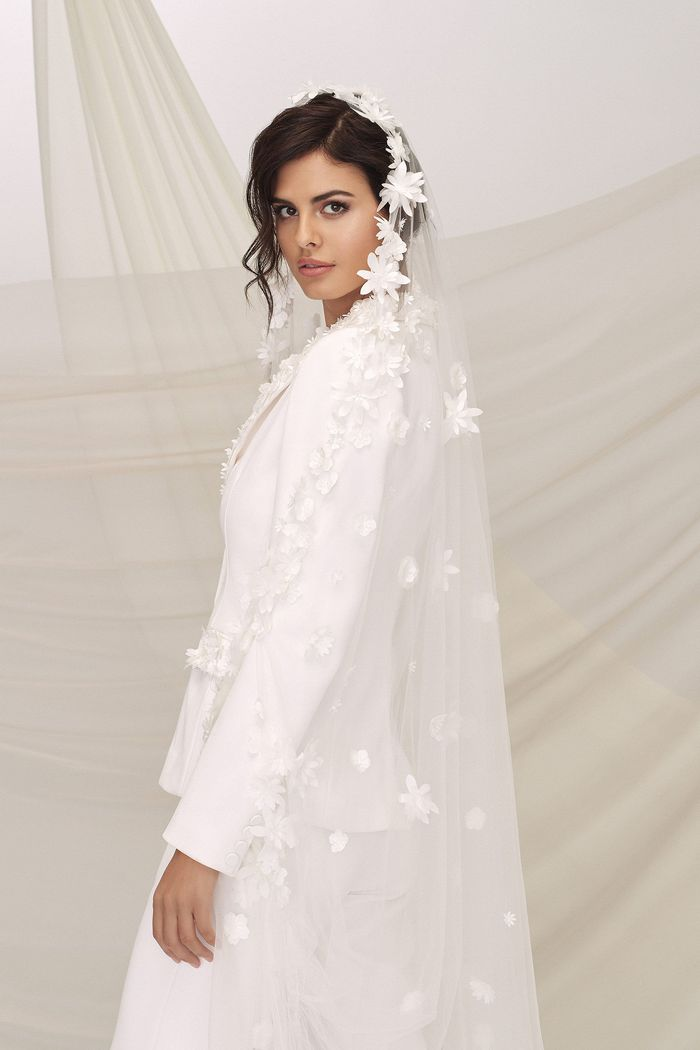 Justin Alexander Signature Style 99116V UPTOWN VEIL Walking Veil Accented with Laser Cut 3D Flowers