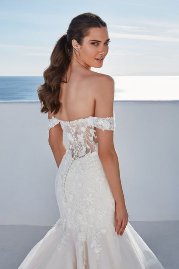 Justin Alexander Style 88191 Breslin Ruffle Skirt Trumpet Gown with Detachable Off the Shoulder Straps