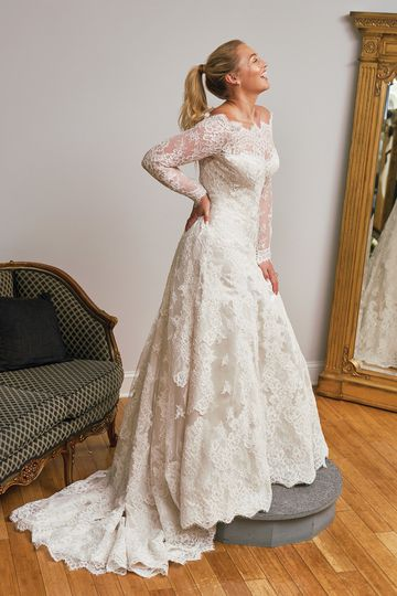 Justin Alexander Style 88055 Off the Shoulder Long Sleeve Lace A-line Gown
