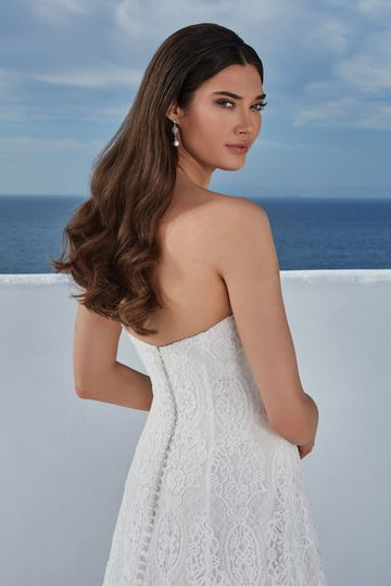 Justin Alexander Style 88189 Bethany Allover Lace A-Line Gown with Sweetheart Neckline