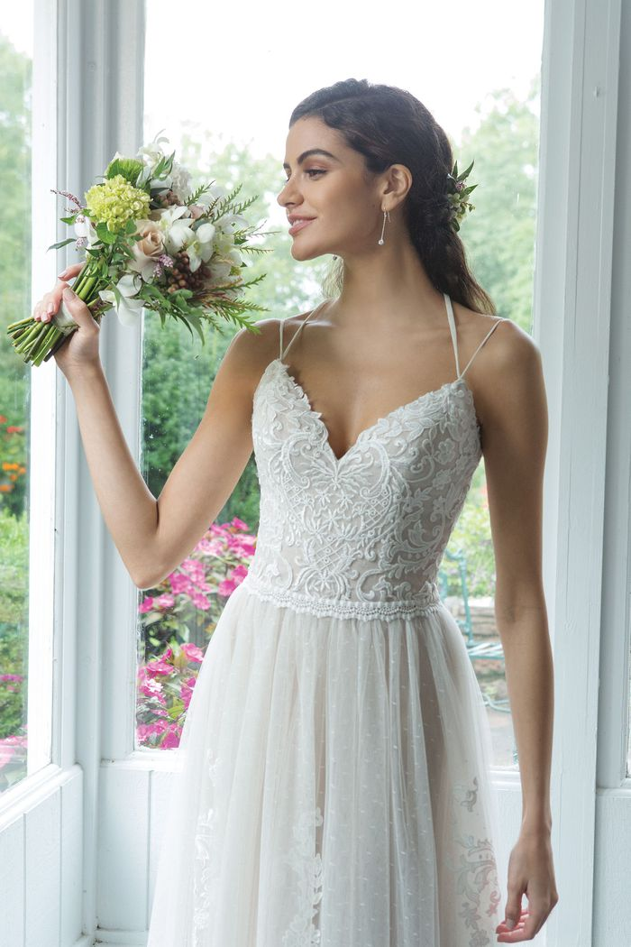 Sweetheart style 11092 Bikini Neckline Light English Net Dress