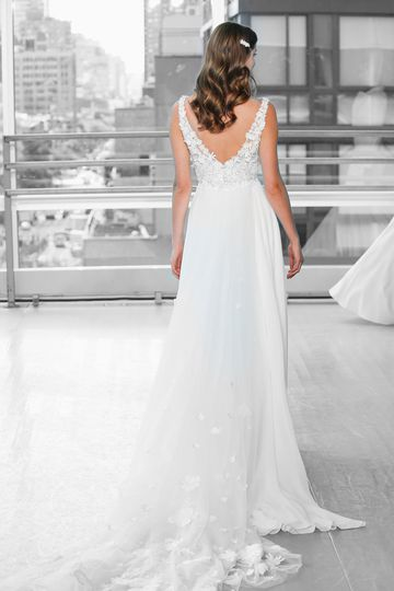 Justin Alexander Signature Style 99117DT CALDERA TRAIN Cathedral Length Detachable Train with 3D Floral Appliques