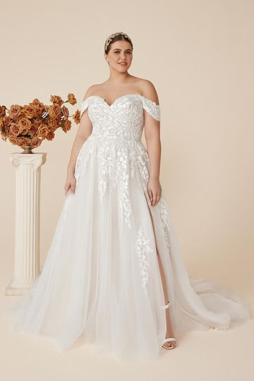 Justin Alexander Style 88219PS Carlee Tulle Plus Size A-Line Gown with Off the Shoulder Detachable Straps