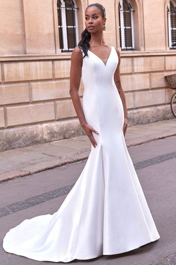 Adore by Justin Alexander Style 11168 Tate V-Neckline Stretch Mikado Fit and Flare Wedding Dress