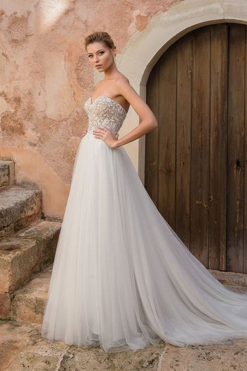 Justin Alexander style 88044 Sweetheart Illusion Bodice with English Net and Tulle Skirt